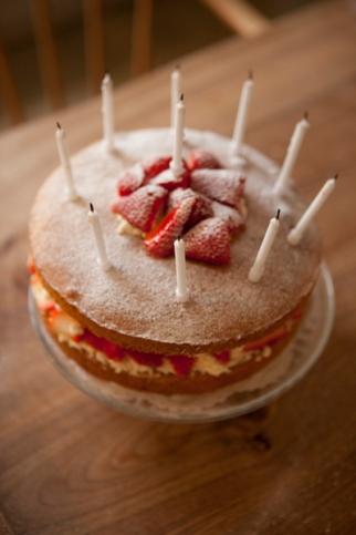 victoria_cake04Apr2015_0014